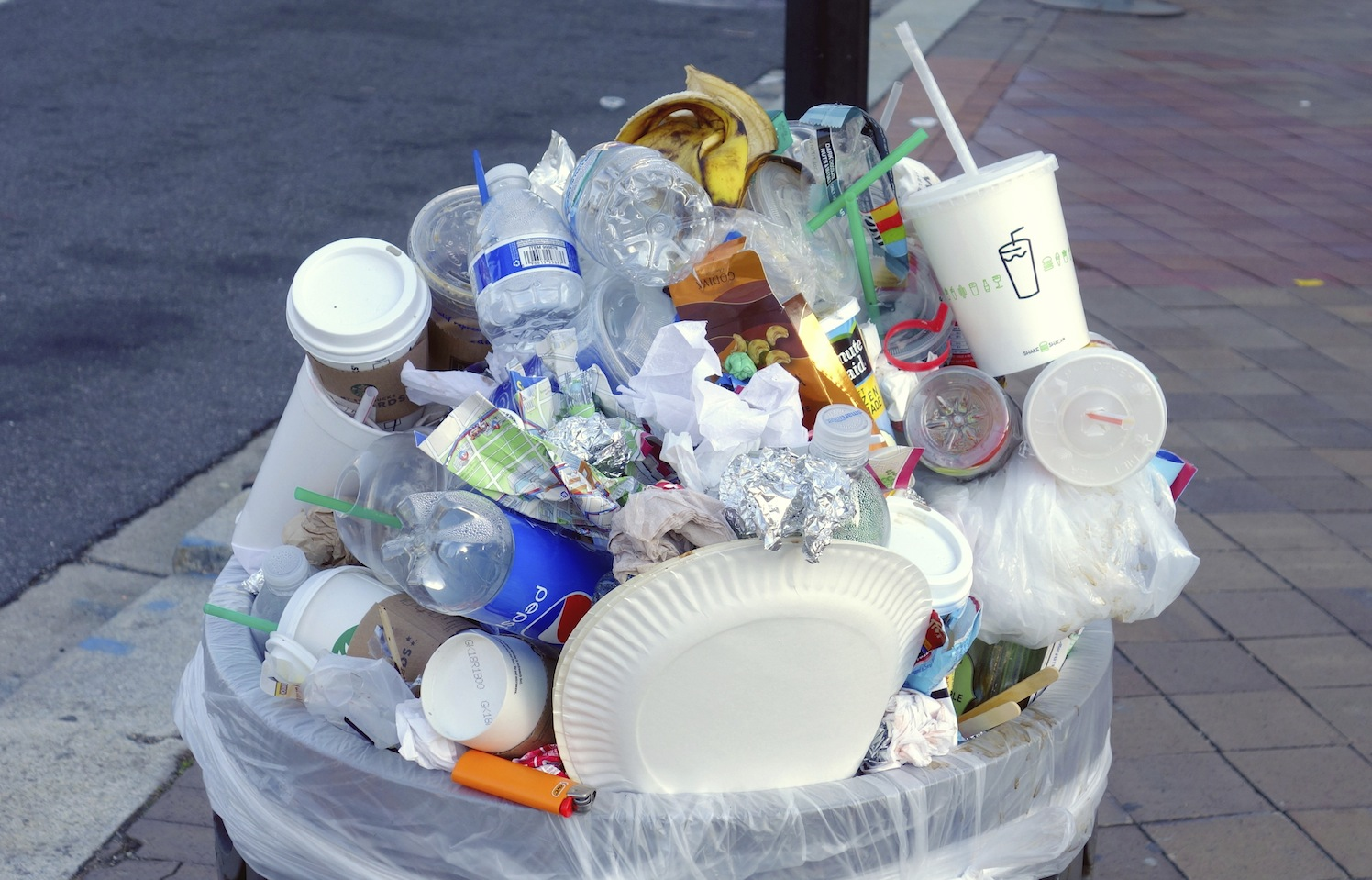 Waste_garbage_can_overflowing_ReThink Disposable